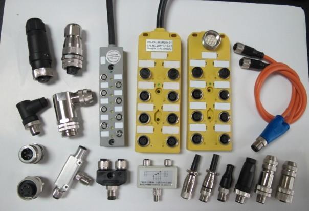 那么,一般我们所说的M8、M12中央集线器指的就是线路插口为M8或者M12规格的中央集线器。它与普通插座的不同之处在于,普通插座的电源输出只有正负两级,或者再有一条地线,而工业用的中央集线器不仅很有电源正电源负,同时还增加了信号线。根据空位个数不一样针对的信号线也不一样。
