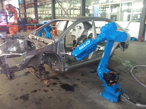 长沙1号 机器人成湖南汽车 机械业能手高清图片