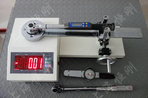 力矩扳手测量仪图片